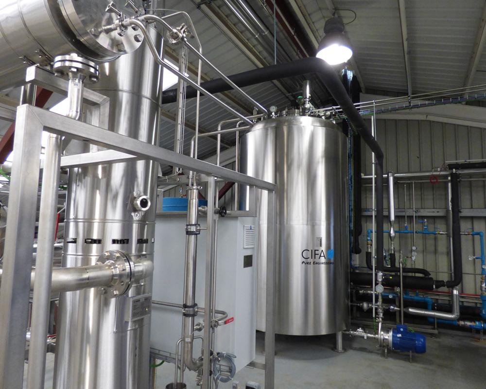 Imagen de un genarador de vapor puro de CIFA Instalaciones